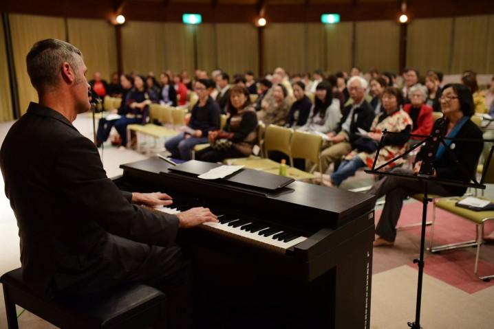 """Solo performance of Allen Toussaint's """"Wrong Number"""" in Minokamo, Gifu."""