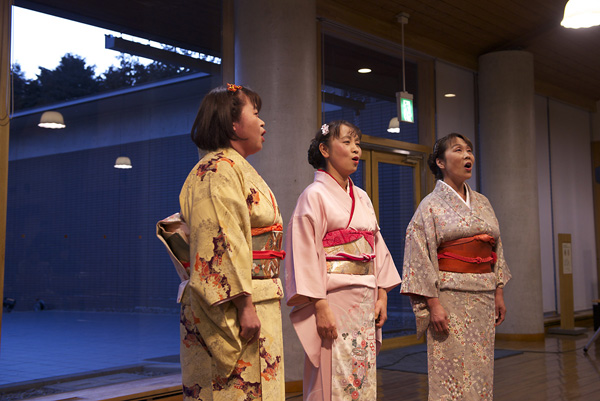Female vocal trio in Minokamo.